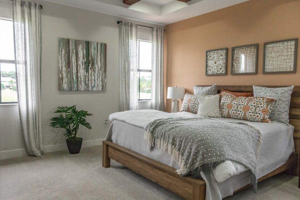 Hohe Bett für Senioren